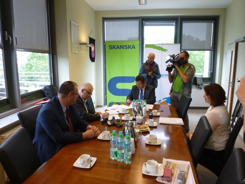 Centrum Komunikacyje dokończy Skanska