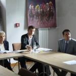 Andrzej Kabziński z GDDKiA (w środku) spotkał się z samorządowcami w celu omówienia problemów komunikacyjnych na obwodnicy.