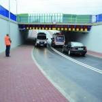 Nowy tunel miałby być podobny do tego w Grodzisku Mazowieckim, czyli mała przeprawa przeznaczona tylko dla samochodów osobowych i karetek. Fot. www.grodzisk.pl