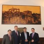 Radny Arkadiusz Syguła, Rady Mariusz Grzybek, Burmistrz Vincenzo Grasselli i Wójt Jarosław Chodorski.