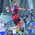 Paweł Kowalik latał wysoko, zdobył dwa gole.
