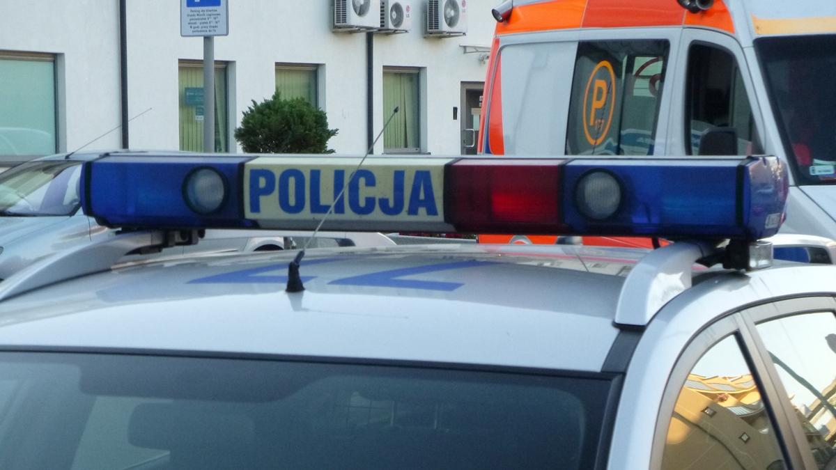 policja i pogotowie