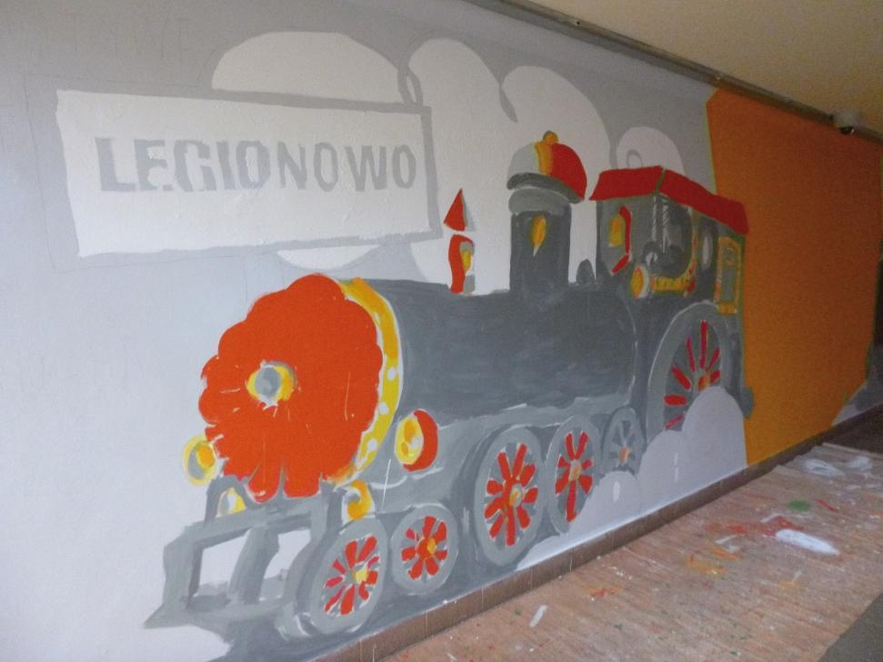 Legionowo stoi na stacji lokomotywa for Mural legionowo