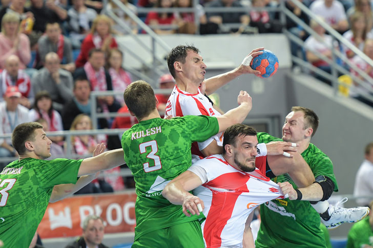 PLOCK, 07.05.2017 MECZ KWALIFIKACYJNY DO FINALOW ME 2018 PILKA RECZNA MEZCZYZN: POLSKA - BIALORUS --- QUALIFICATIONS TO 2018 EUROPEAN MEN'S HANDBALL CHAMPIONSHIP MATCH: POLAND - BELARUS NZ KRZYSZTOF LIJEWSKI MICHAL JURECKI FOT. DOMINIK BUZE/FOTOPYK